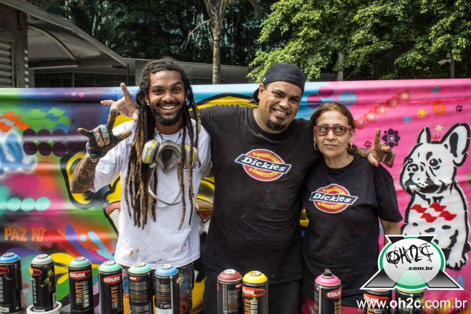 Cellograffiti e FamilyArt Br Crew(FokinhaArtWorx e Mary.D), Realizam Intervenções na Avenida Paulista - (Clique e Compartilhe)