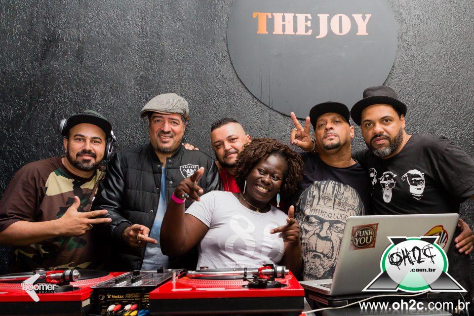 Fotos da Festa do DJ Hum e Convidados na The Joy Bar & Club em Santos/SP - (Clique e Compartilhe)