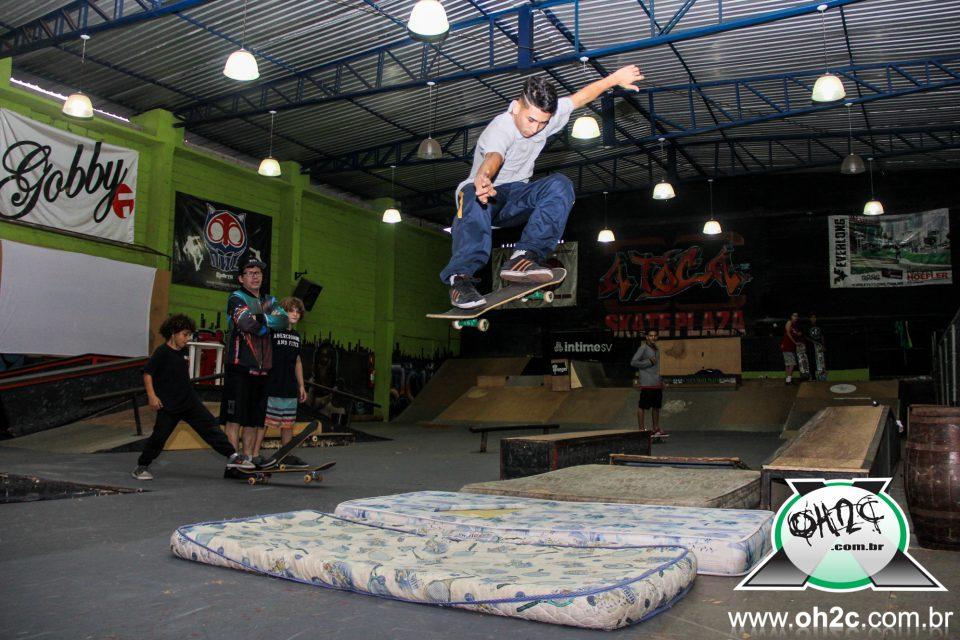 """Fotos da 1ª Edição do """"Acampadentro"""" da A Toca Skate Plaza em São Vicente/SP – (Clique e Compartilhe)"""