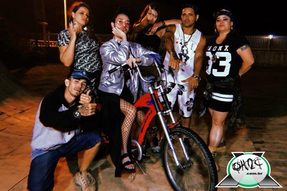 """Fotos da Noite Especial em Navegantes/SC no """"COLISÃO 180 convida ELAS"""" no Raízes Bar - (Clique e Compartilhe)"""