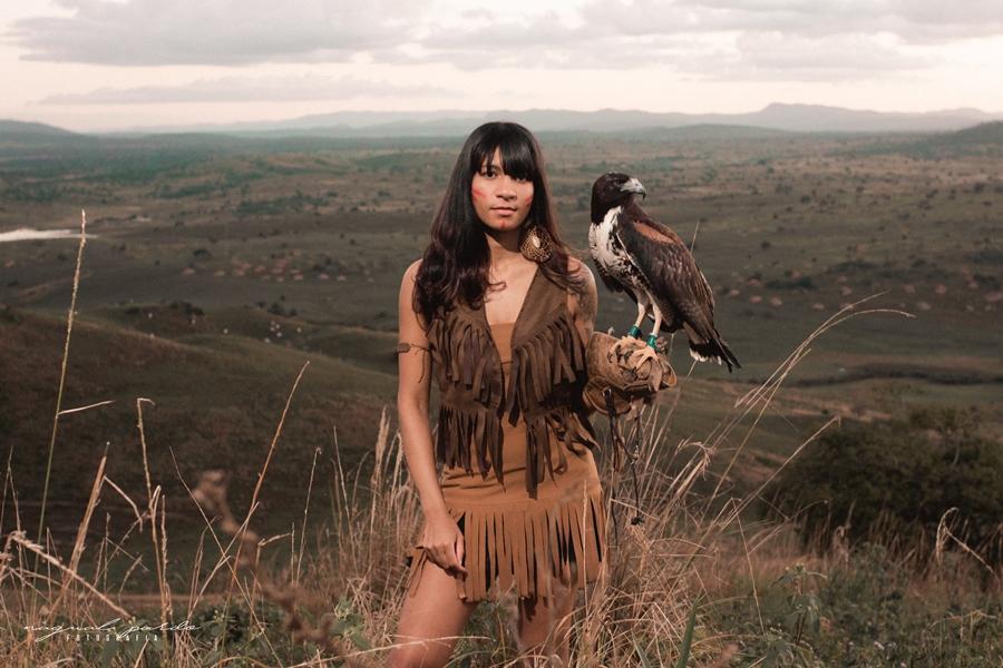 Conheça um Pouco da Trajetória da Rapper Descendência Indígena Cayari - (Clique e Compartilhe)
