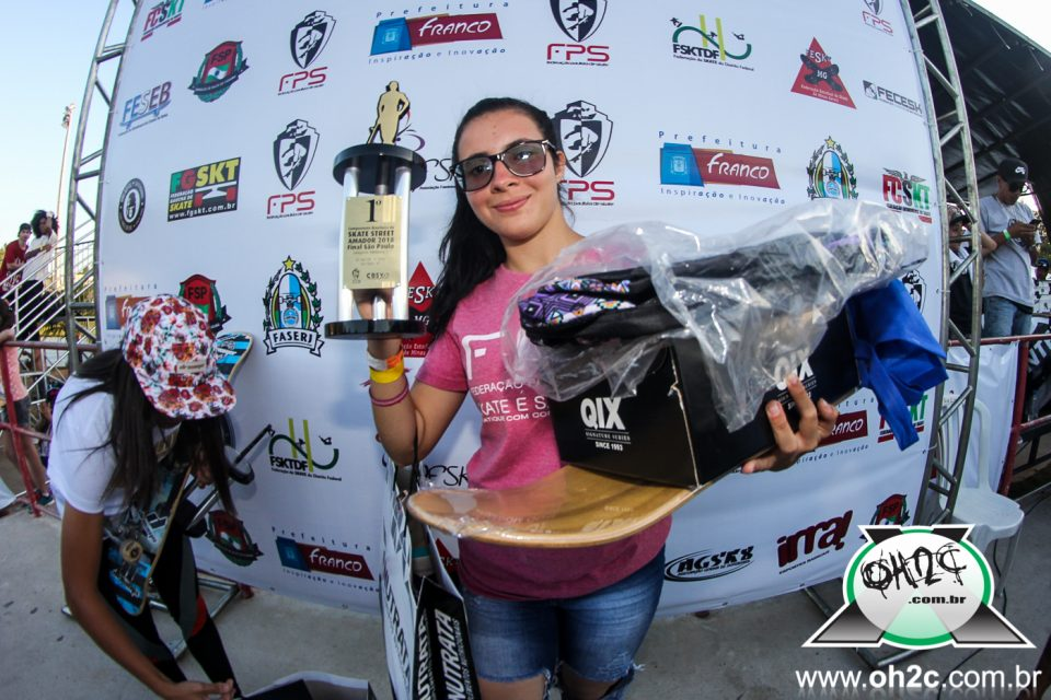 Isabelle Menezes Conquista o Campeonato Brasileiro de Skate Street Amador 2018 - (Clique e Compartilhe)