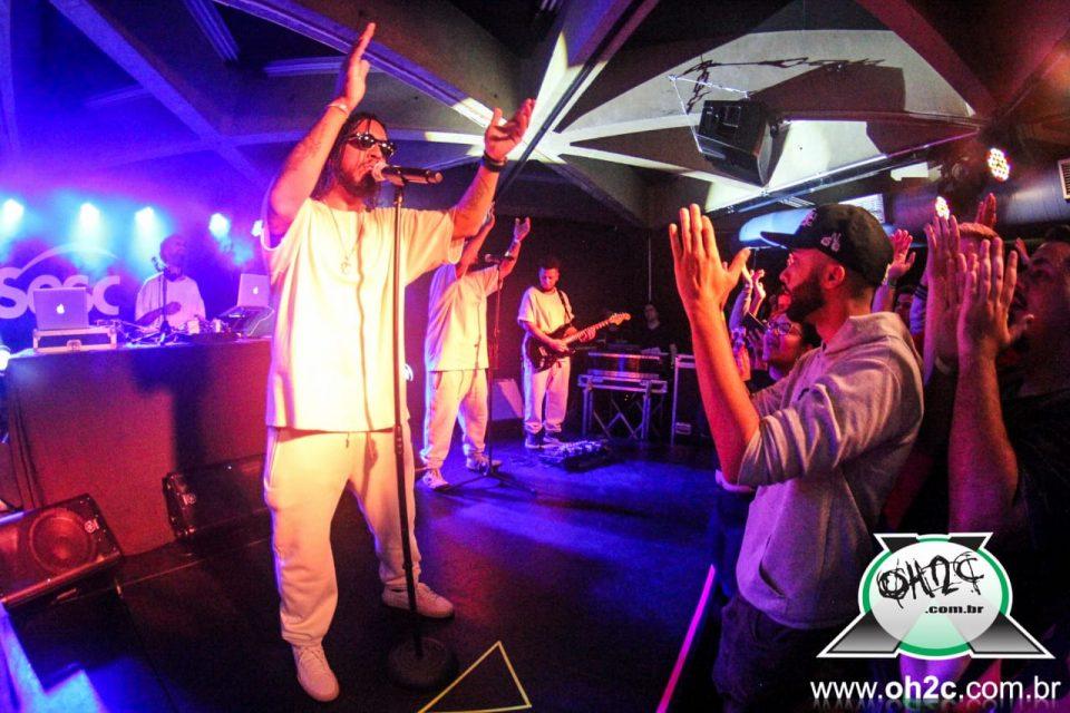 """Com o Álbum """"Crise"""" Rapper Rashid Contagia o Público no Sesc Santos - Portal OH2C"""